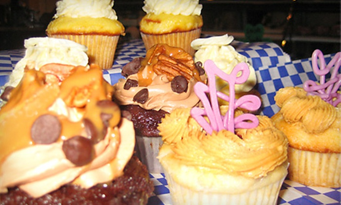 Papa's Fresh Foods - Palos Heights: $18 for One Dozen Cupcakes at Papa's Fresh Foods in Palos Heights ($36 Value)