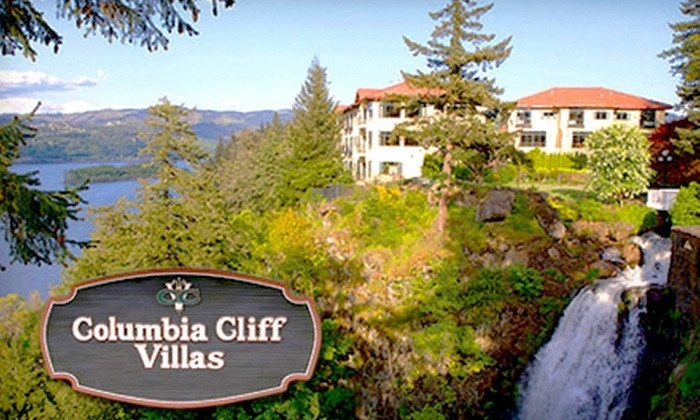 Columbia Cliff Villas - Hood River: $120 for a One-Night Stay for Two at Columbia Cliff Villas and Tasting at Eight Wineries in Hood River (Up to $275 Value)