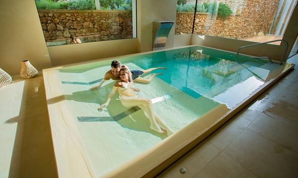 Lecce Camera Superior Con Colazione O Mezza Pensione E Massaggio Di Coppia Per 2 Persone Presso L Hotel Callistos