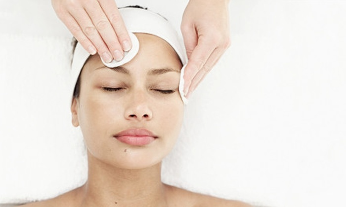 Epic Spa and Wellness - Midway Park Euless: Facial or Facial and Aromatherapy Package with Choice of Hot-Stone Treatment or Scalp Massage at Epic Spa and Wellness in Euless (Up to 61% Off)