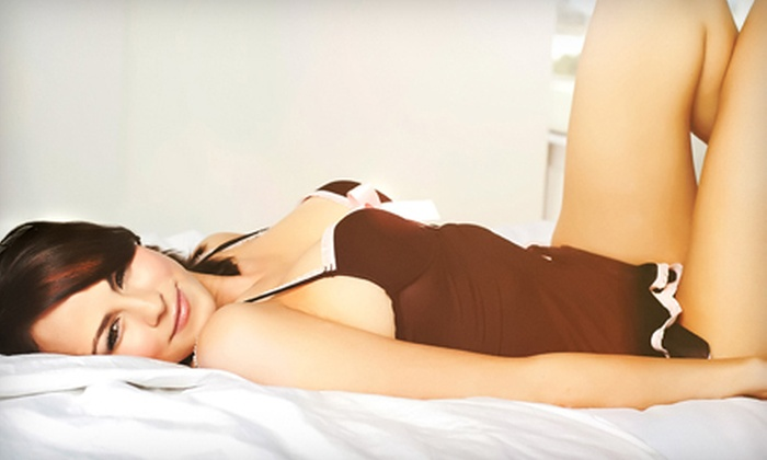 Red1 Studios - Wynwood: $89 for a Boudoir-Photography Package with a 90-Minute Shoot, One Print, and Photo CD/DVD at Red1 Studios ($450 Value)