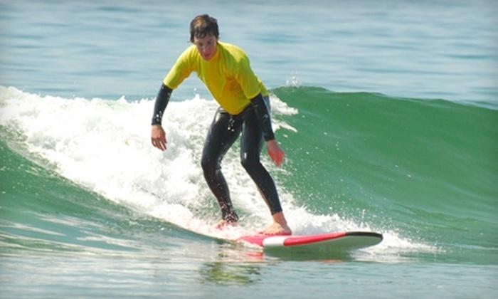 Tofino Surf School - Tofino: Beginner Group or Family Lesson at Tofino Surf School