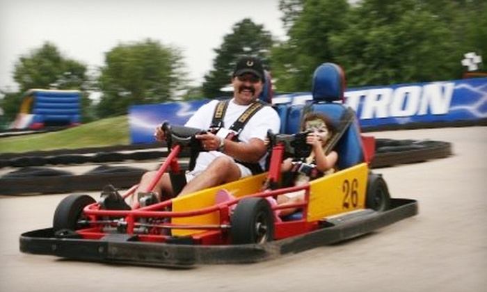 Golf & Games Family Park - Memphis: $15 for $30 Arcade Game Card at Golf & Games Family Park