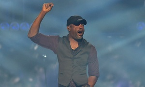 Darius Rucker: Darius Rucker at Farm Bureau Live at Virginia Beach on Sunday, August 30, at 7 p.m. (Up to 51% Off)