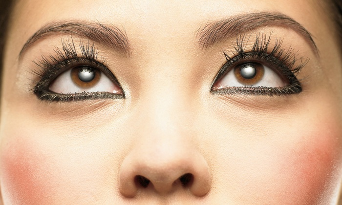 Golden Wave Spa - Humber Heights - Westmount: C$85 for a One Full Set of Mink Eyelash Extensions and Eyebrow Shaping at Golden Wave Spa (C$206 Value)