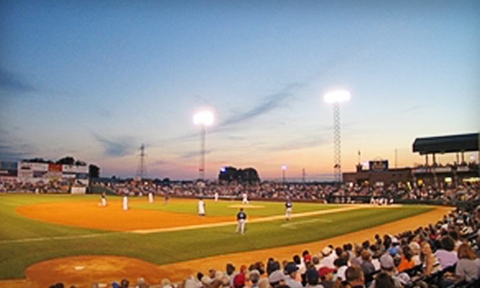 Gateway Grizzlies - Sauget: $18 for Two Field Reserve Box Seats, Two Hot Dogs with Chips, and Two $5 Team Store Credits from the Gateway Grizzlies in Sauget (Up to $38 Value)