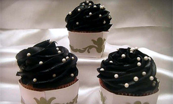 Sweet Tooth Bakery - Indianapolis: $7 for Six Gourmet Cupcakes at Sweet Tooth Bakery ($15 Value)