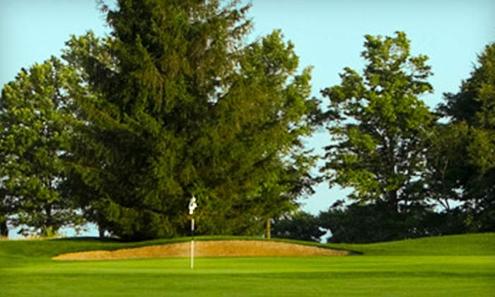 Wood Wind Golf Club - Washington: $35 for 18 Holes of Golf, Cart Rental, Range Balls, and Combo Meal at Wood Wind Golf Club in Westfield (Up to $77 Value)