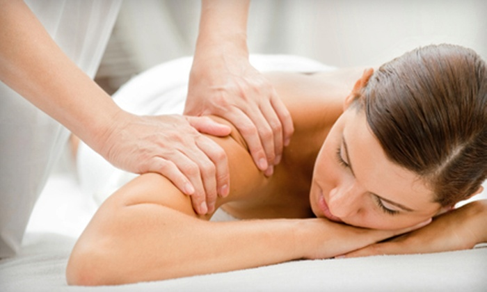 Houston Massage Clinic - Neartown/ Montrose: $45 for a 60-Minute Massage and Hot-Towel Treatment at Houston Massage Clinic ($90 Value)