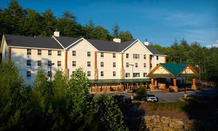 Hampton Inn & Suites–Cashiers/Sapphire Valley - Cashiers: $133 for a Two-Night Stay for Up to Four at Hampton Inn & Suites–Cashiers/Sapphire Valley (Up to $258 Value)