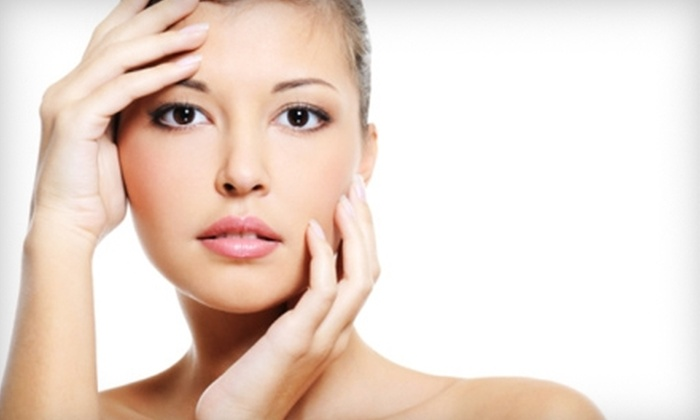 I Zen Spa - Shakopee: $55 for Mask Treatment ($120 Value) or $199 for Three Nonsurgical Facelifts ($435 Value) at I Zen Spa in Shakopee