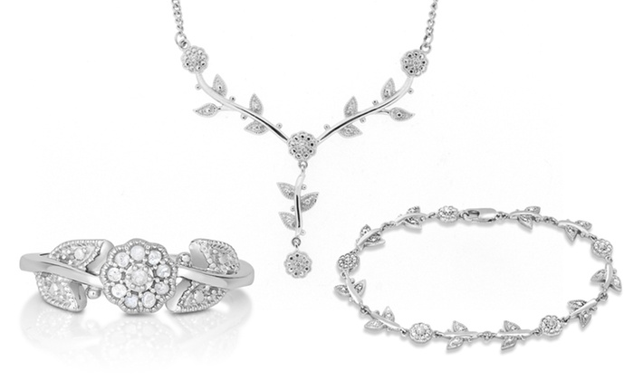 1 4 CTTW 3 Piece Diamond Flower Jewelry Set