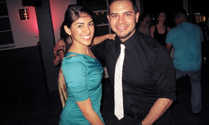 Salsa Mia - City Center: Two or Four Nights of Salsa Classes at Salsa Mía in South Beach (Half Off)