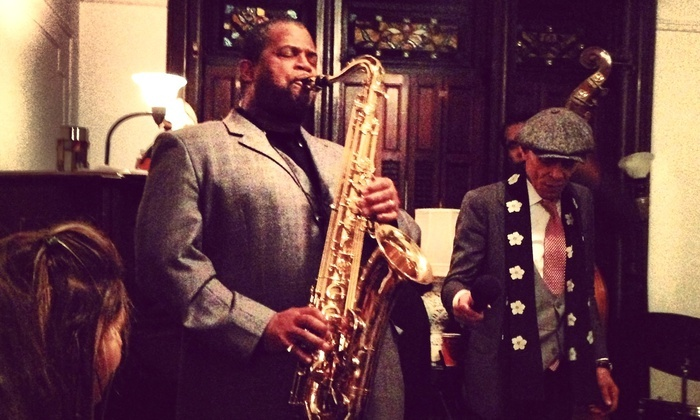 Intimate Jazz Concert and Dinner - Brooklyn: Discover a Jazzfest and Fish Fry at a Brooklyn Brownstone