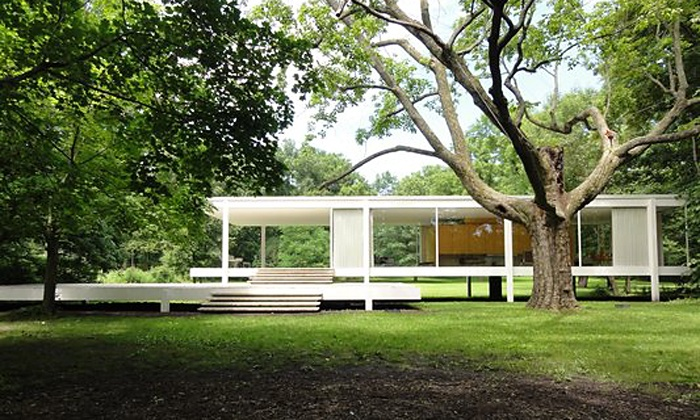 Farnsworth House - Plano: $21 for Tour for Two Adults at Farnsworth House ($40 Value)