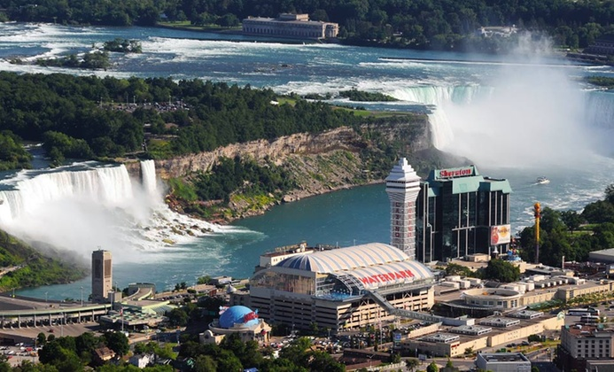 Niagara Falls Hotel with Water Park