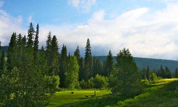 Pinnacle Lodge - Sun Peaks, British Columbia: Stay with Underground Parking at Pinnacle Lodge in Sun Peaks, BC; Dates into May 2016