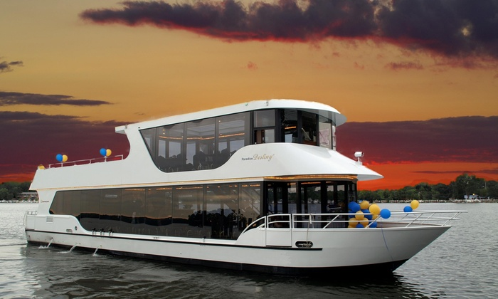 Paradise Charter Cruises & Minneapolis Queen - Multiple Locations: $64 for a Minnesota Brews Cruise for Two from Paradise Charter Cruises & Minneapolis Queen ($128 Value)