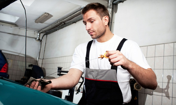 Tyre Works Hoffman LLC - Hoffman Estates: One or Four Oil Changes and Tire Rotations at Tyre Works Hoffman LLC (60% Off)