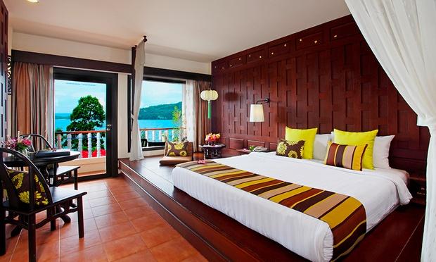 Phuket: 4* Aquamarine Resort 1