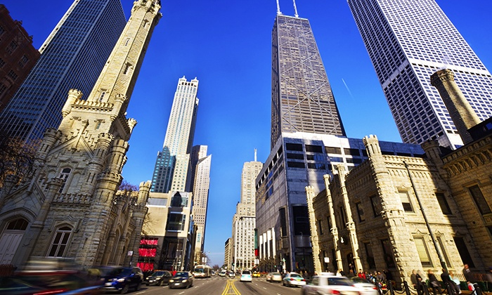 """Chicago Architecture Foundation - CAF Shop & Tour Center: $13 for a 90-Minute """"Must-See Chicago"""" Tour from Chicago Architecture Foundation ($20 Value)"""