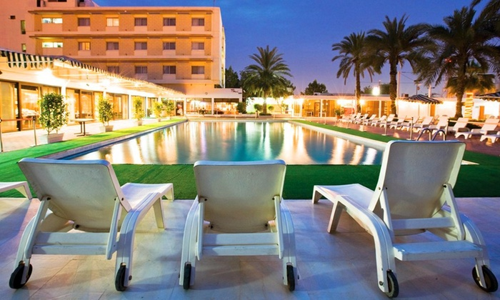 Ras Al Khaimah Hotel - Ras Al Khaimah Hotel: RAK: Stay for 2 with Breakfast and Dreamland Tickets; Option for Half Board, Zoo Tickets and Spa at Ras Al Khaimah Hotel