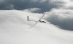 Aeroklub Białostocki: Lot zapoznawczy szybowcem typu Puchacz ze szkoleniem dla 1 osoby za 149,99 zł i więcej opcji z Aeroklubem Białostockim