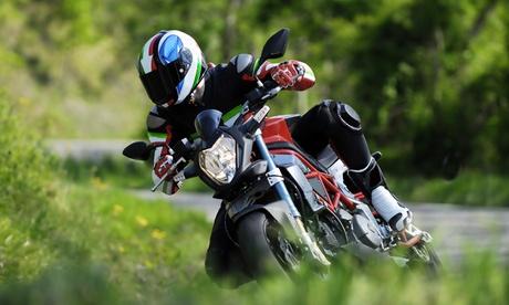 Curso para obtener el carné de moto A1 o A2 con 4 o 6 prácticas desde 39,90 € en dos centros Oferta en Groupon
