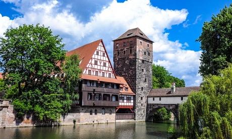 Nürnberg - Standard-Doppelzimmer für Zwei mit Frühstück, Stadtplan und 1x Flasche Wasser im AZIMUT
