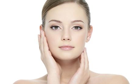 Sesión de tratamiento facial con consulta estética y masaje kobido opcional desde 14,95€ en Centro de terapias naturales