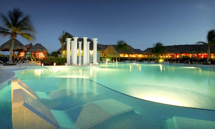 Grand Palladium Riviera Resort & Spa in | Groupon Getaways