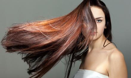 Sesión de peluquería completa con opción a tinte y/o mechas balayage desde 14,95 € en Mimi Peluquería y Estética Unisex