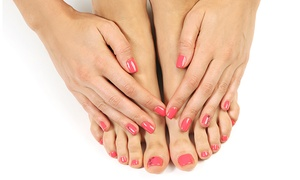 Studio Couleur Bronze et Spa Ixora: C$29 for a Shellac Manicure and Pedicure at Studio Couleur Bronze (C$80 Value)