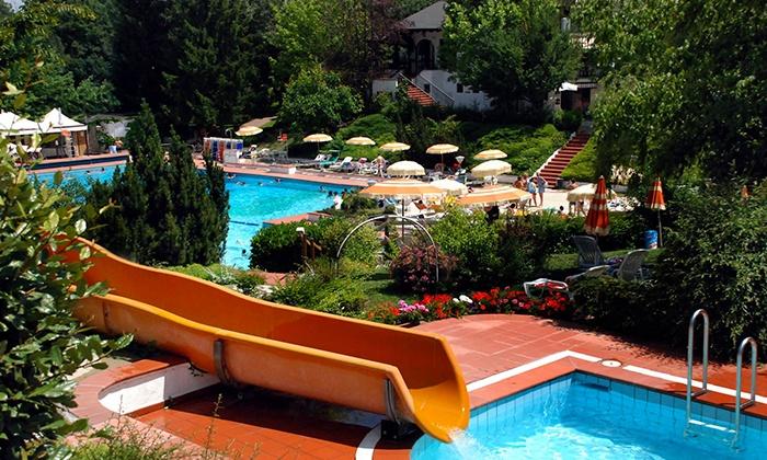 Ingresso al parco acquatico piscine club cuenca groupon for Piscina n club