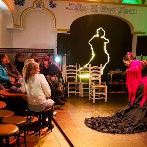 715a1ce3 Espectáculo flamenco con menú - Tablao Flamenco El Burro Blanco | Groupon
