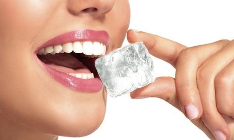 Limpieza bucal con opción a 1 o 2 sesiones de blanqueamiento led desde 9,95 € en Dental Luna Nueva
