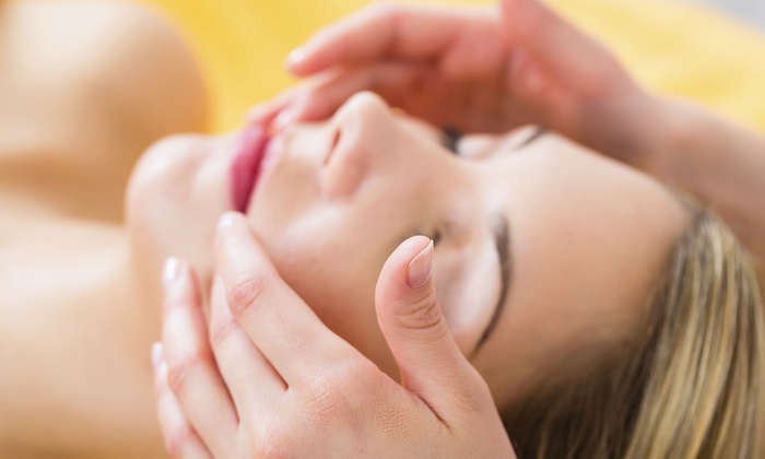Here's the Rub Massage Therapy - Here's the Rub Massage Therapy: 60- or 90-Minute Reiki Session at Here's the Rub (Up to 24% Off)