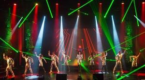 """Théâtre Casino Barrière Toulouse: Dîner spectacle """"Music Mirror"""" pour 1 personne, le 12 mai ou 23 juin 2017, à 49 € au Théâtre Casino Barrière Toulouse"""