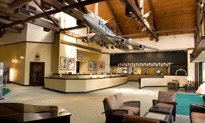 Aviation-Themed Hotel near Universal Studios