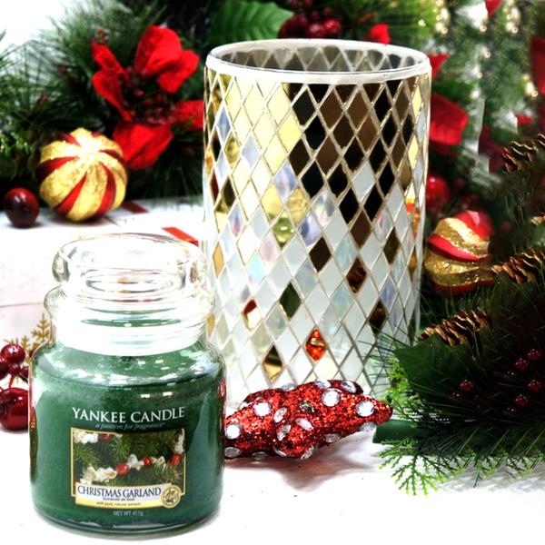 Yankee Candle Mosaic Holder With Medium Christmas Garland Jar