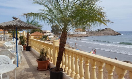 Mazarrón: 1 o 2 noches en habitación doble para 2 personas con desayuno en Hotel Bahía