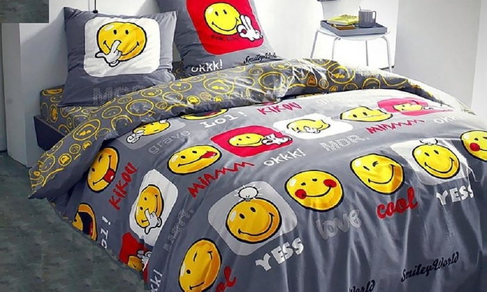 housse de couette smiley groupon shopping. Black Bedroom Furniture Sets. Home Design Ideas
