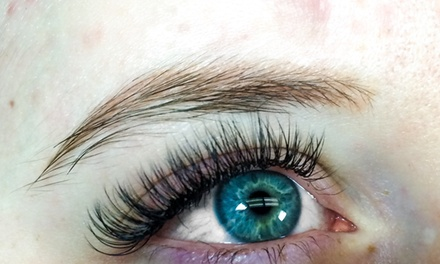 Full Set of Eyelash Extensions at Lash Locale