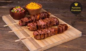 Cantina do Bairro: Espeto de 1 kg com 3 acompanhamentos na Cantina do Bairro – Setor Urias Magalhães