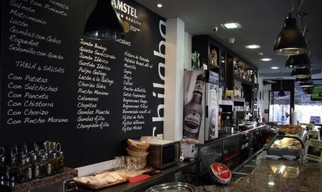 Menú para 2 o 4 con aperitivo, entrante, principal, postre y botella de vino o bebida desde 24,95 € en Chilaba bar