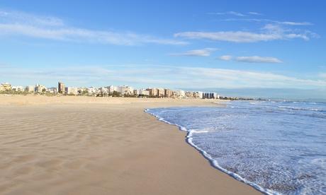 Oropesa del Mar: 1, 2, 3, 4, 5 o 7 noches para hasta 4 personas con late check-out en apartamentos Palmavera