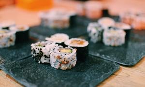 Sushi Events: Catering de sushi para 12 personas con opción a evento privado de showcooking y maridaje desde 49,90 € en Sushi Events