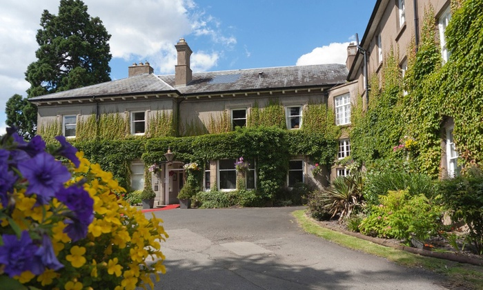 St Andrews Town Hotel - Droitwich: Worcestershire: 1 or 2 Nights for Two with Breakfast, Late Check-Out and Optional Dinner at St Andrews Town Hotel