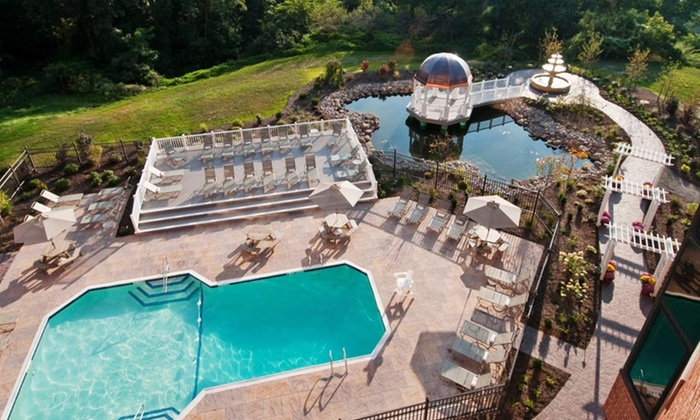 Woodcliff Hotel and Spa - Perinton: 1-Night Stay with Optional Dining and Spa Credits at Woodcliff Hotel and Spa in Greater Rochester, NY