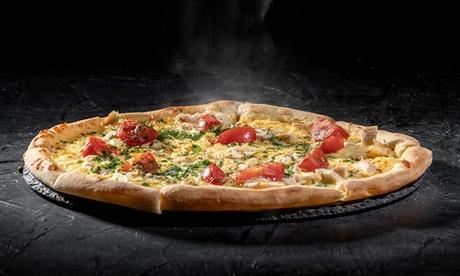 To-go oder Auslieferung - Pasta oder Pizza mit Salat von der Restaurant La Villa